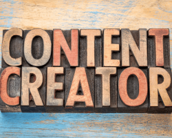 What Is a Digital Content Writer? 13 Facts About This Booming Industry