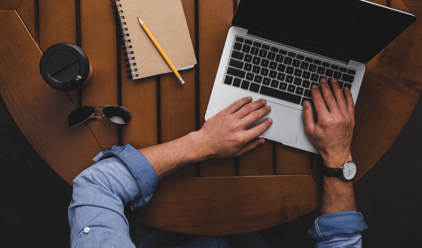 5 Things Blog Writing Services Do for Clients That Freelancers Just Can't